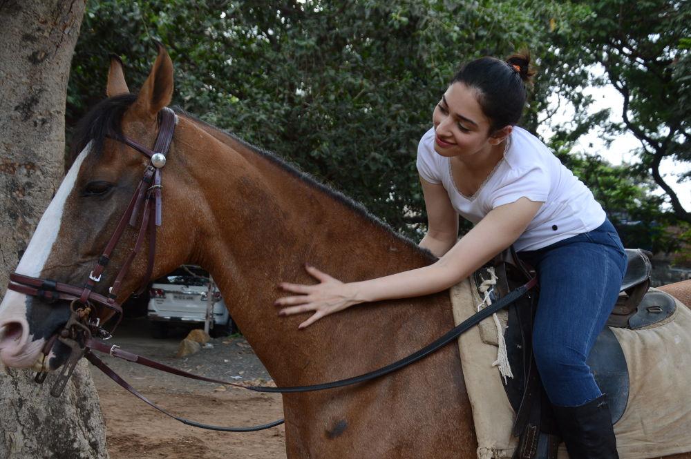Tamannaah Bhatia learns horse riding for Baahubali 2