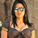 Sakshi Chaudhary Item Song in Oxygen