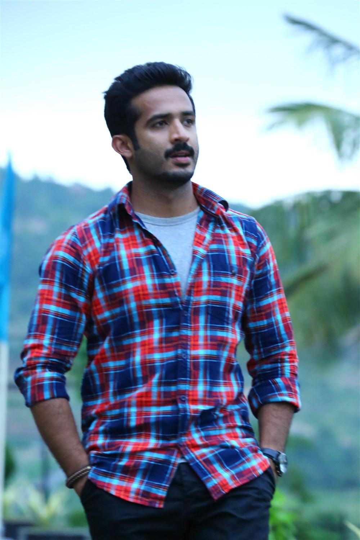 Anchor Ravi turns Hero @ Idi Ma Prema Katha Telugu Movie