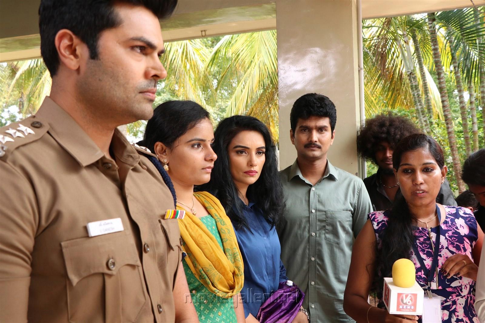 Ganesh Venkatraman, Swetha Menon, Erode Mahesh, G. Koushika in Inayathalam Movie Stills