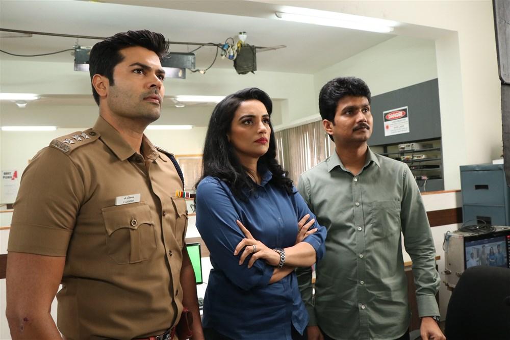Ganesh Venkatraman, Shweta Menon, Erode Mahesh in Inayathalam Movie Images