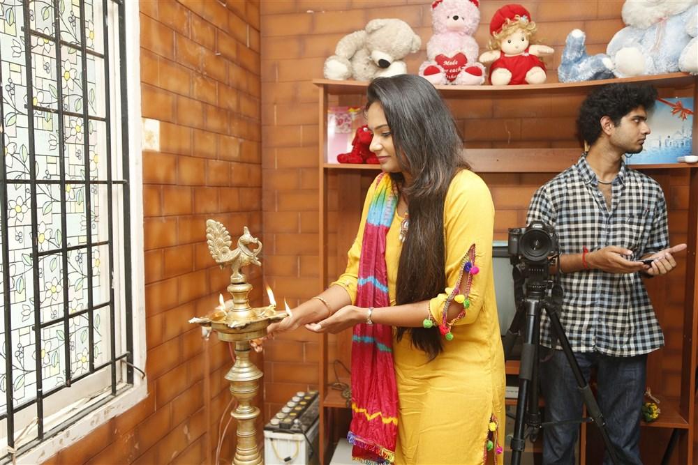 Sarath Kumar, Lakshmi Priya @ Rendavathu Aattam Movie Launch