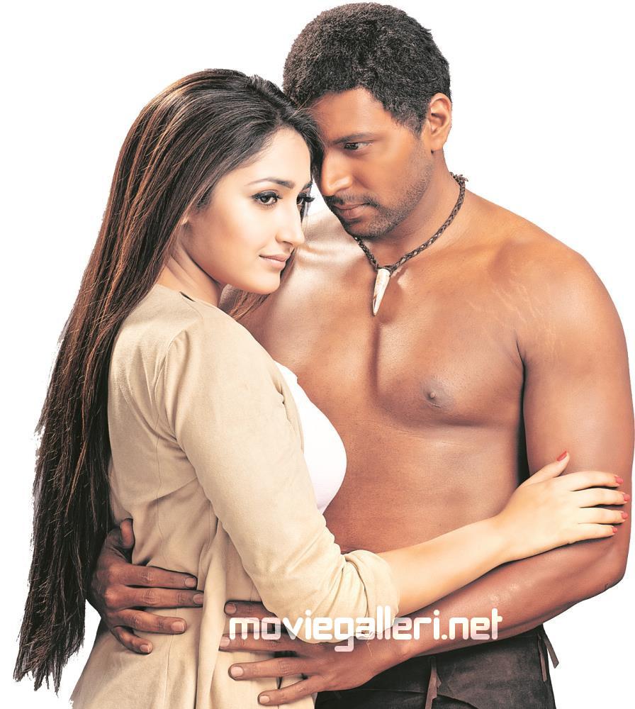 Saayesha Saigal & Jayam Ravi @ Vanamagan Movie