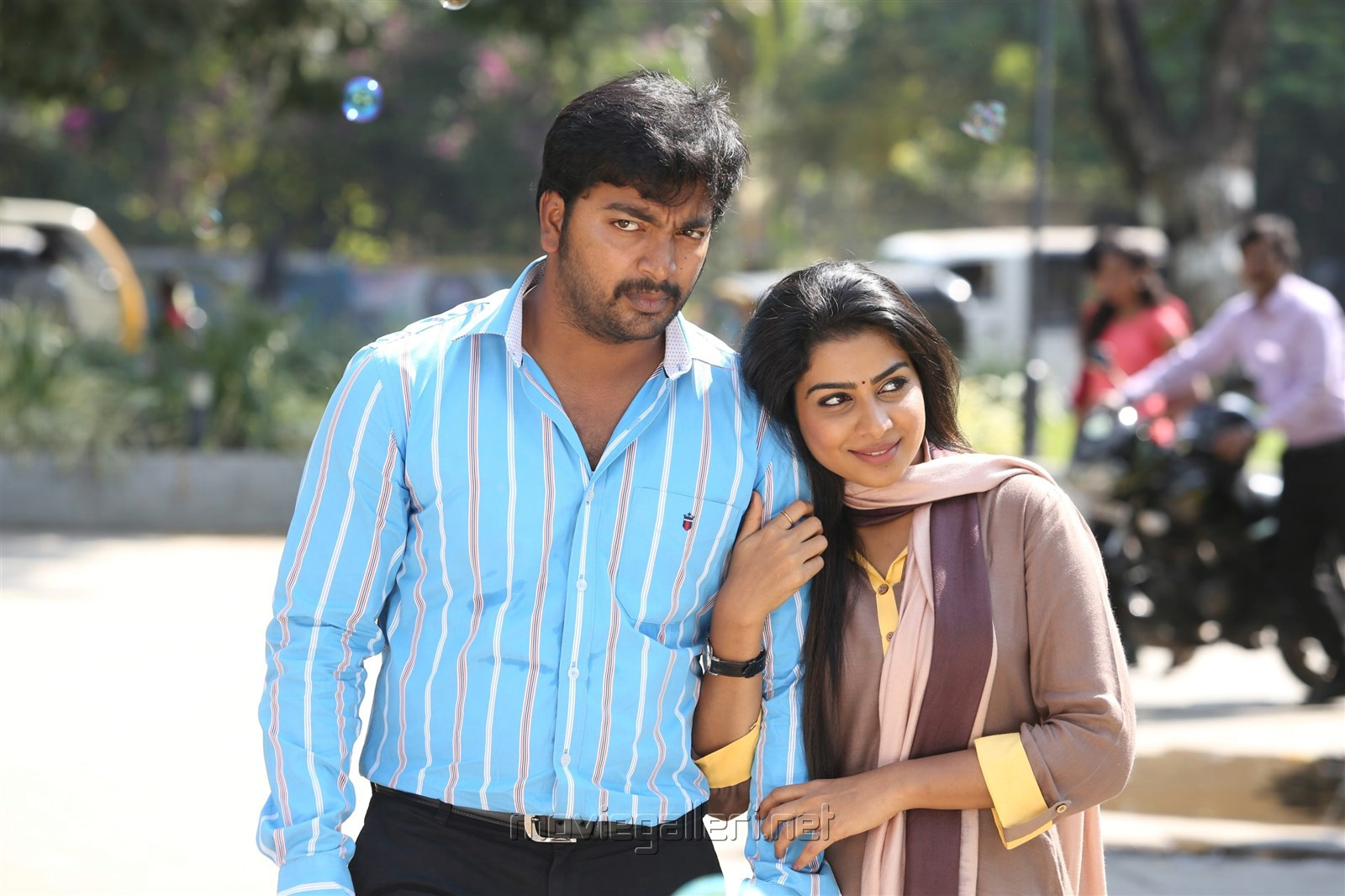 Yeidhavan Movie Stills Kalaiyarasan Satna Titus