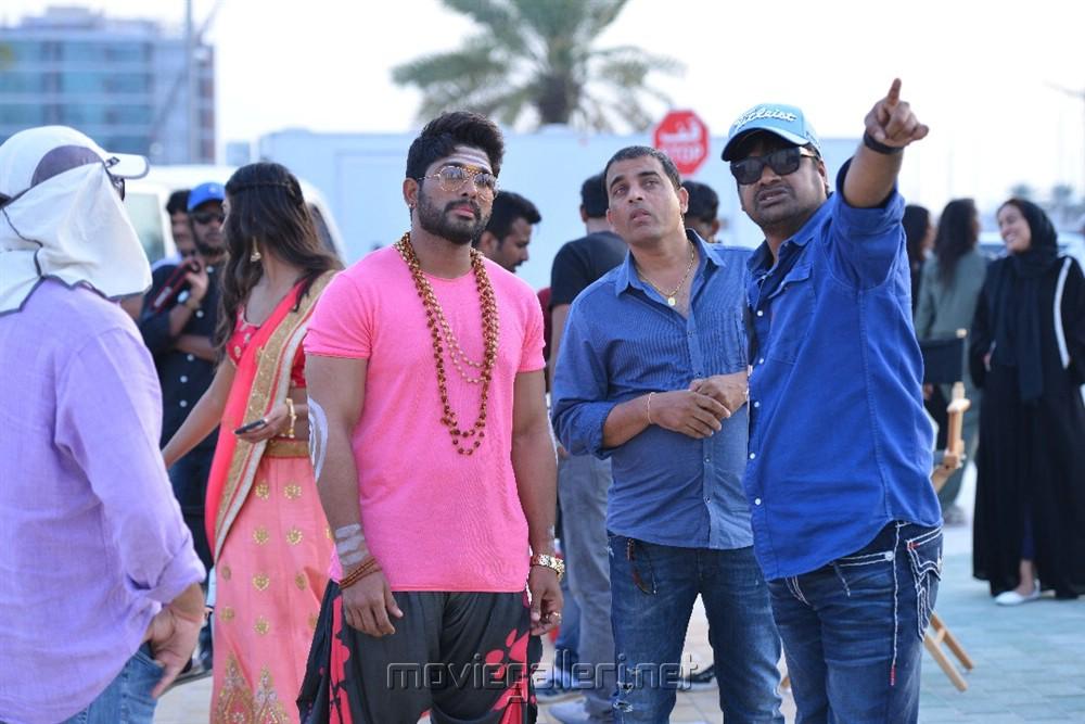 Allu Arjun Dil Raju Harish Shankar Duvvada Jagannadham DJ Gudilo Badilo Song Shoot Images