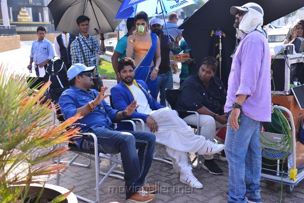 Harish Shankar Allu Arjun Pooja Hegde Duvvada Jagannadham DJ Gudilo Badilo Song Shoot Images