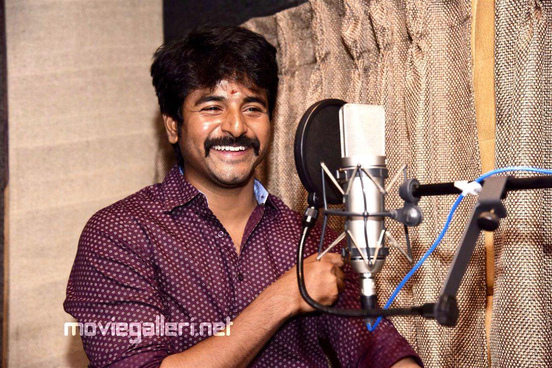Sivakarthikeyan starts dubbing for Velaikkaran