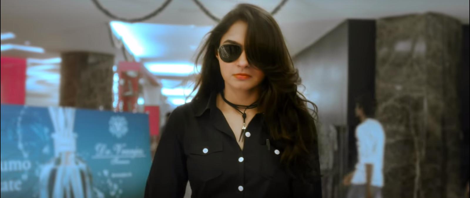 Actress Andrea Jeremiah in Thupparivaalan Movie Teaser