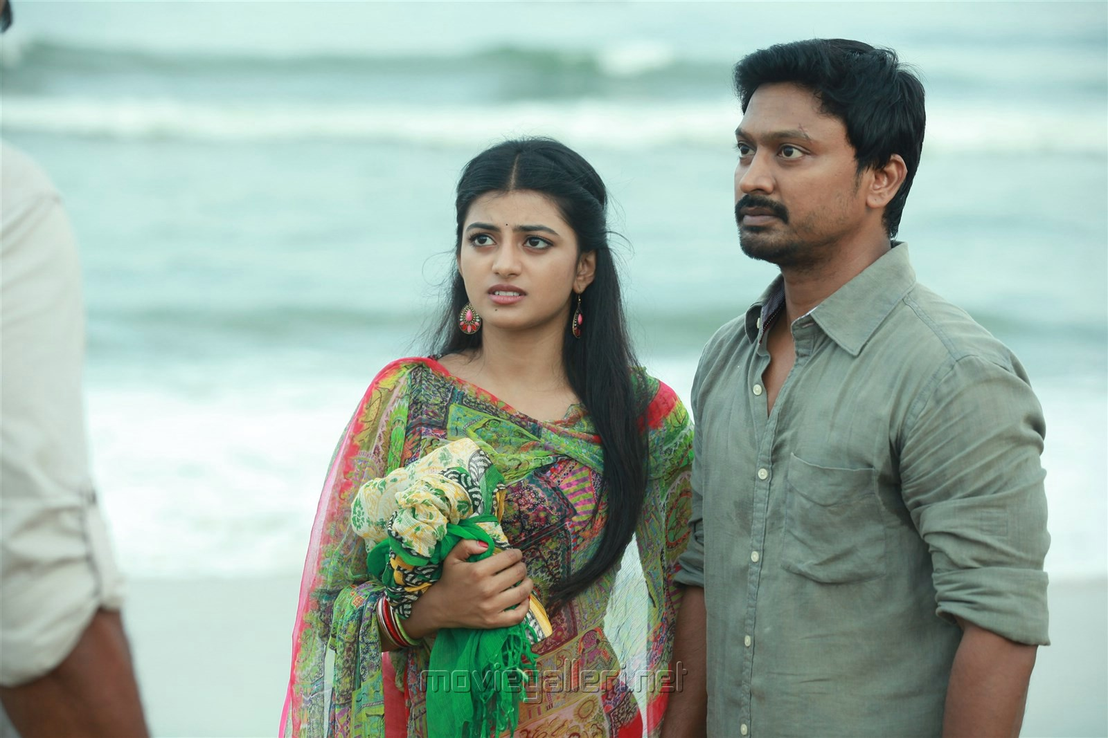 Anandhi, Kreshna in Pandigai Movie Review