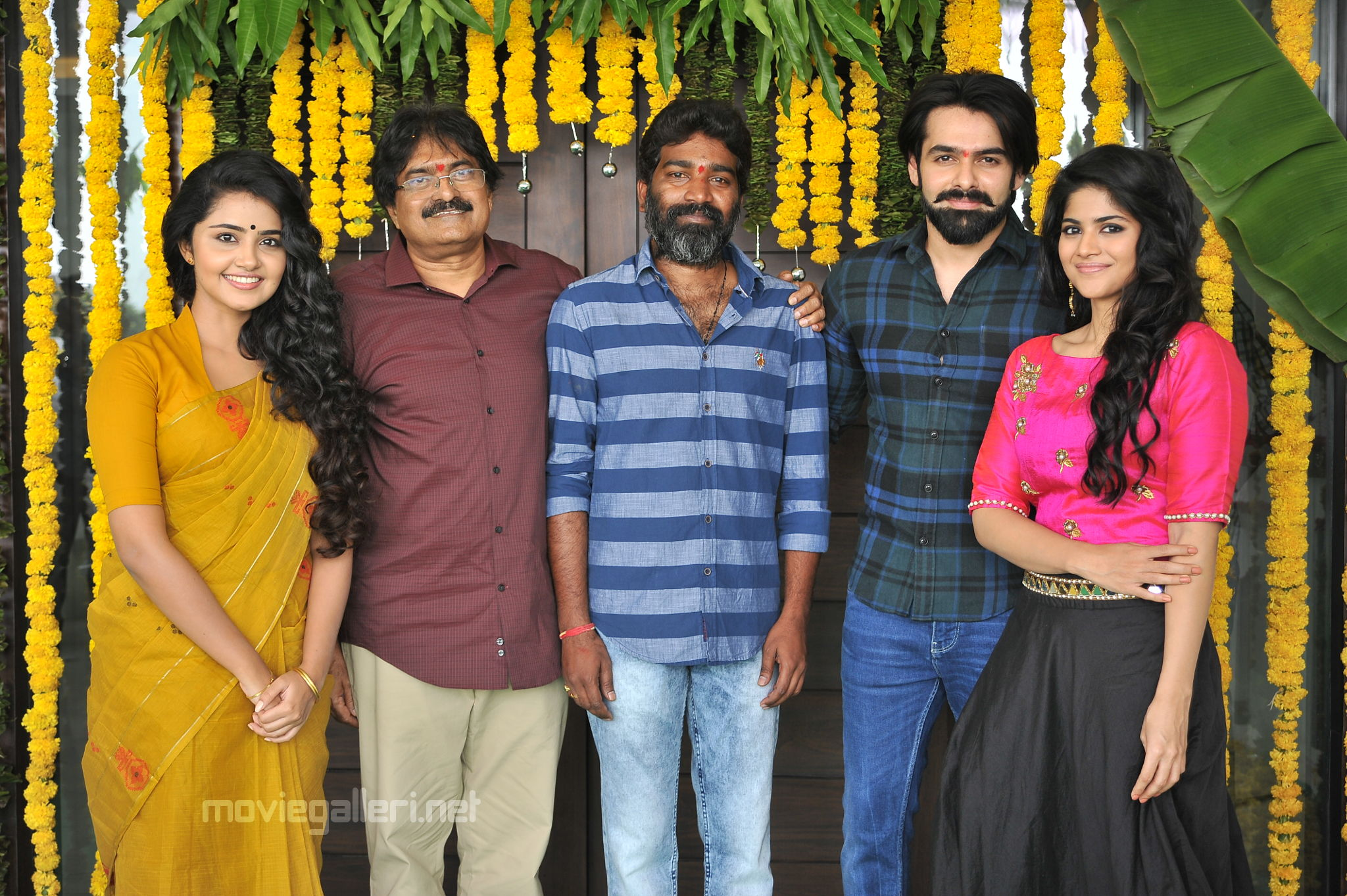 Anupama Parameswaran, Ram Pothineni, Sravanthi Ravi Kishore, Kishore Thummala, Megha Akash @ Vunnadi Okkate Zindagi Movie Launch