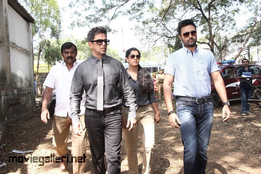 Arjun, Prasanna, Varalaxmi Sarathkumar Nibunan Movie Review