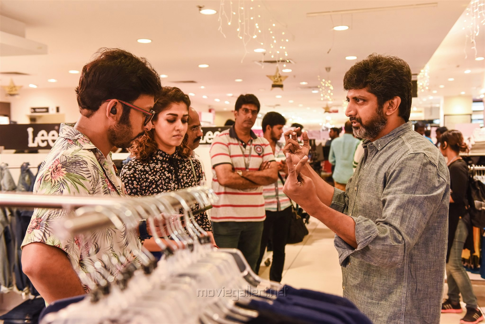 Actor RJ Balaji, Actress Nayanthara & Director Mohan Raja @ Velaikkaran Movie Working Stills
