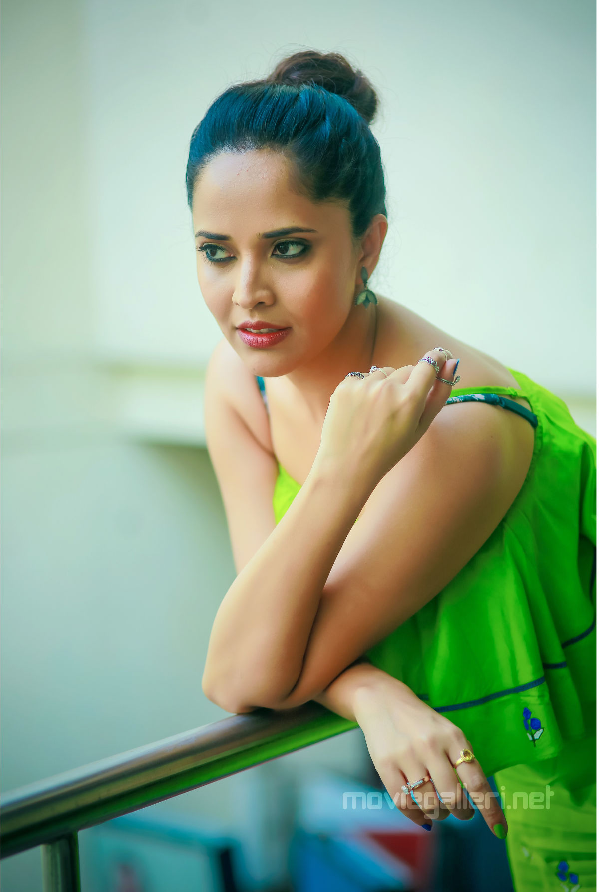 Popular actress Anasuya joins the ensemble cast of Sachindi Ra Gorre