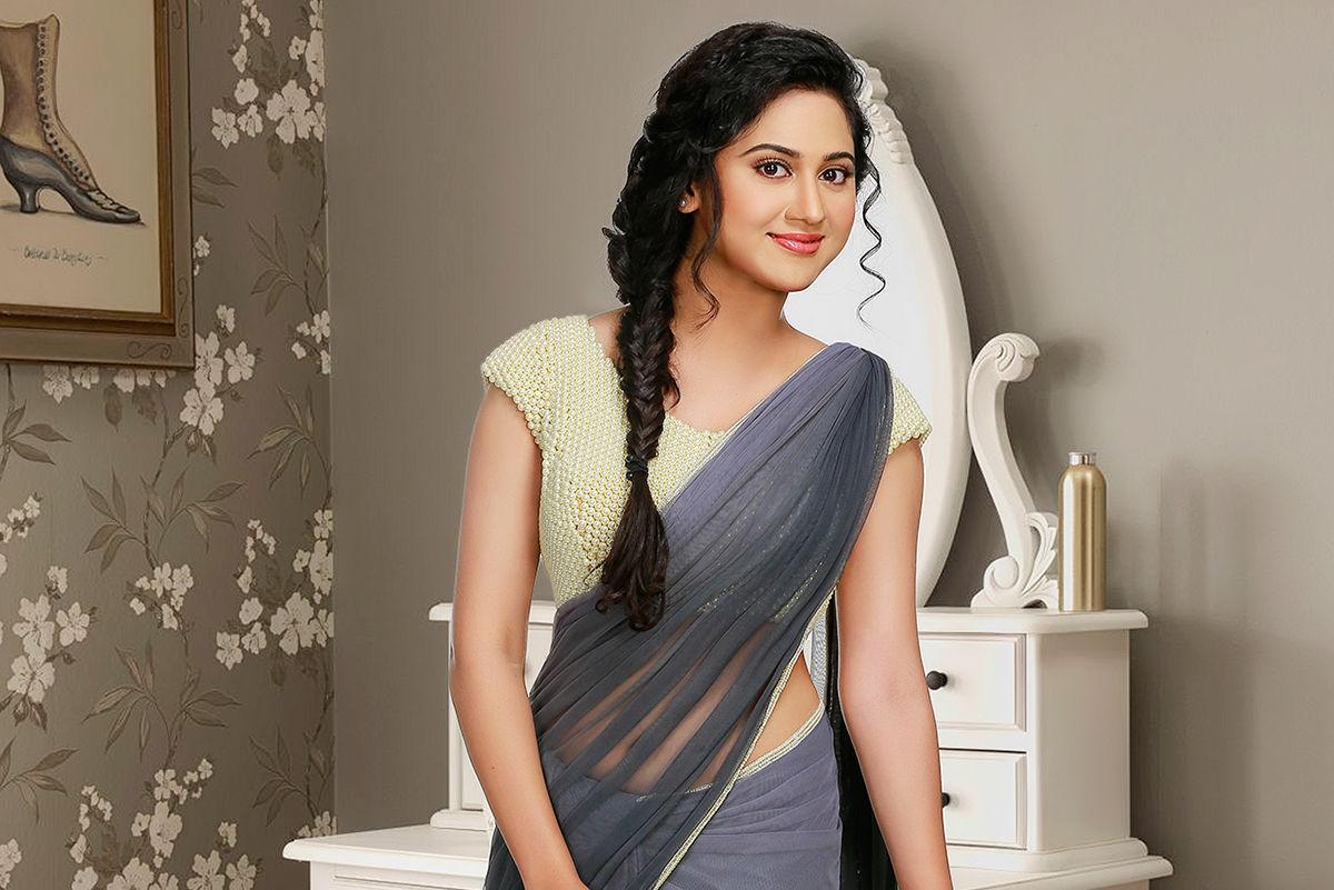 Actress Mia George in SR Prabhu next movie