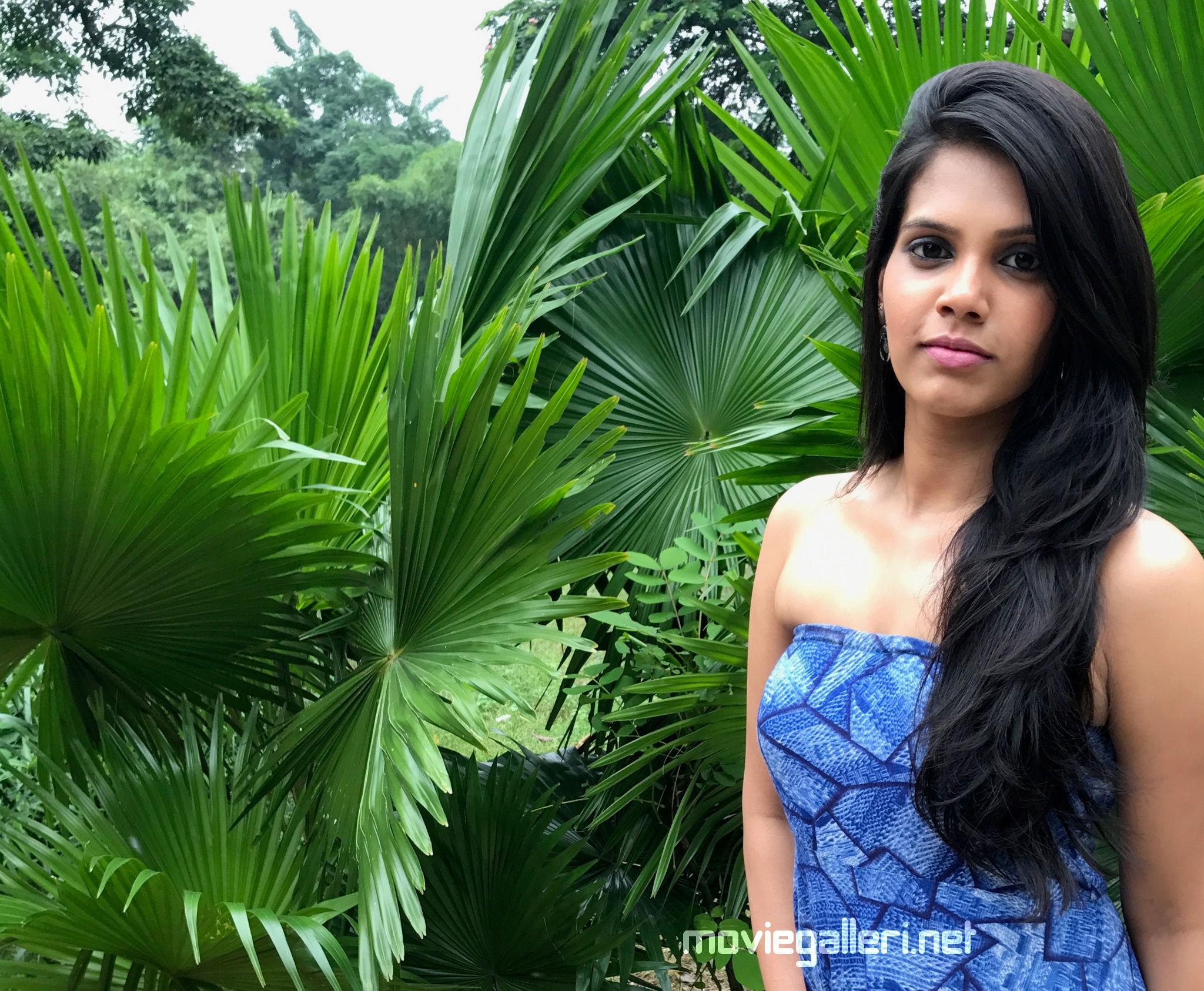 Nenjil Thunivirunthal Actress Shathiga good reception on her performance