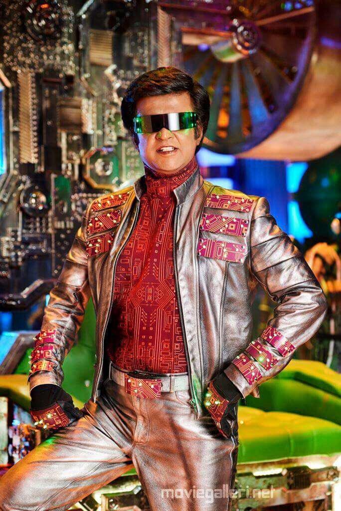 Rajinikanth as Chitti 2.0 Movie Endhira Logathu Sundariye Song