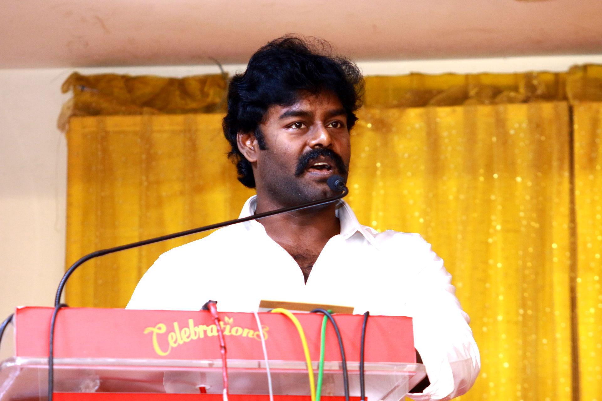 Actor RK Suresh in remake of Telugu super hit movie 'Napoleon'