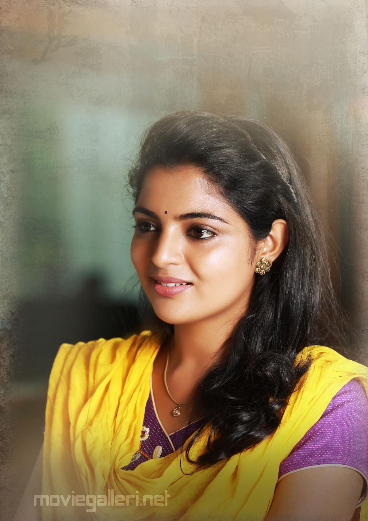 Gayathri Movie Actress Nikhila Vimal first look pics HD