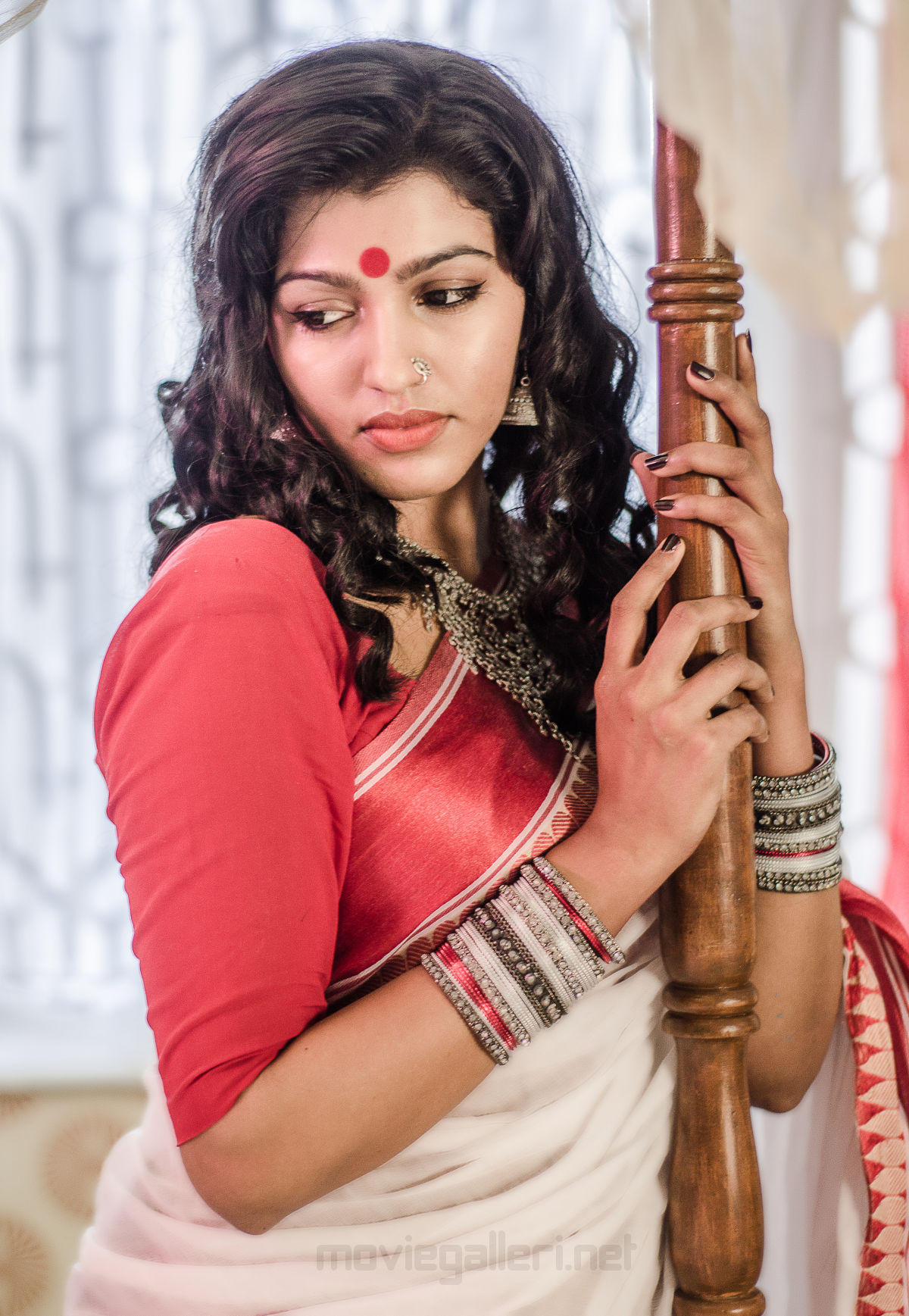 Actress Dhanshika got Best Actress Award for Sinam @ Calcutta International Cult Film Festival