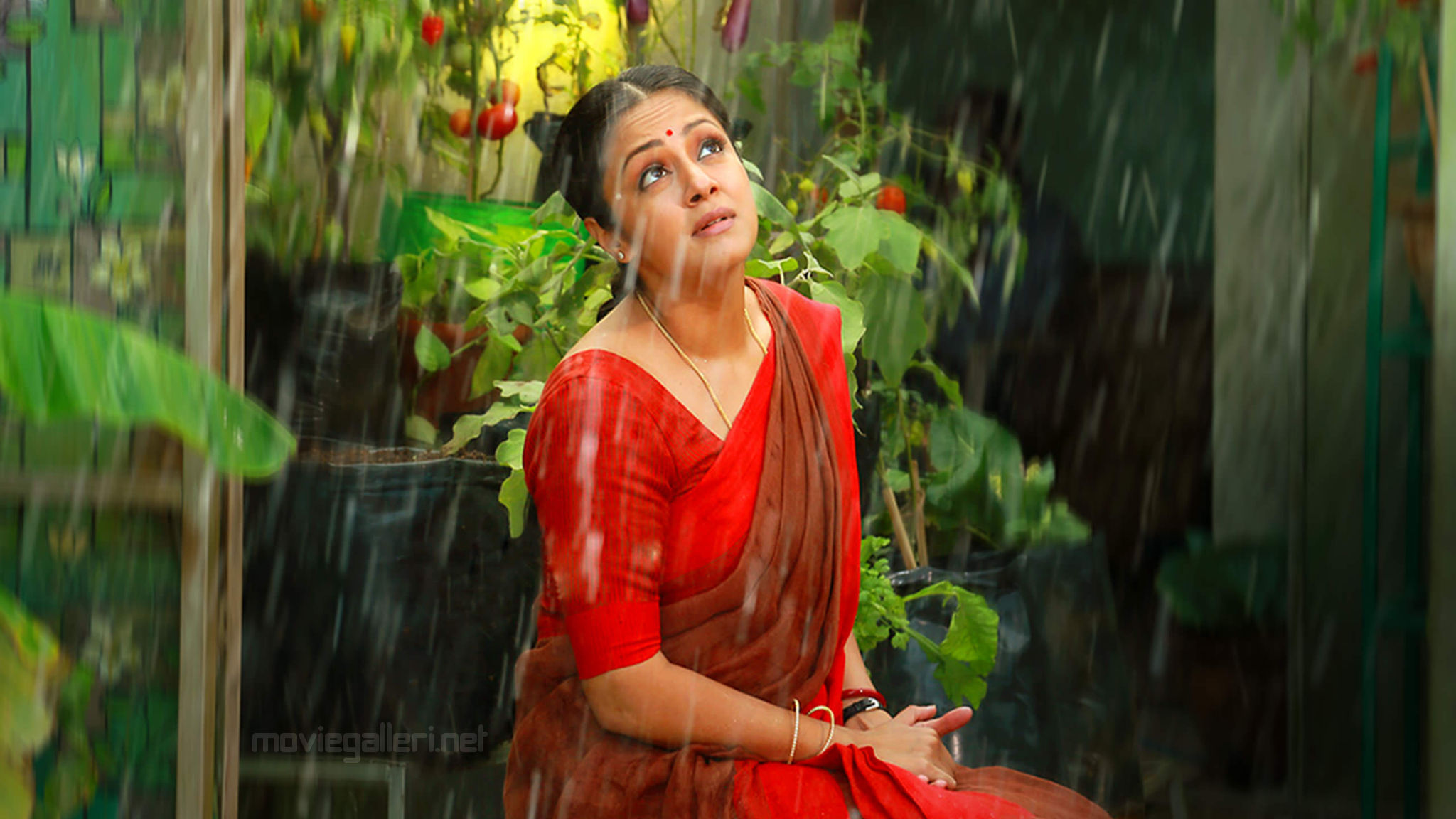 Actress Jyothika in Tumhari Sulu Tamil Remake Vidya Balan movie