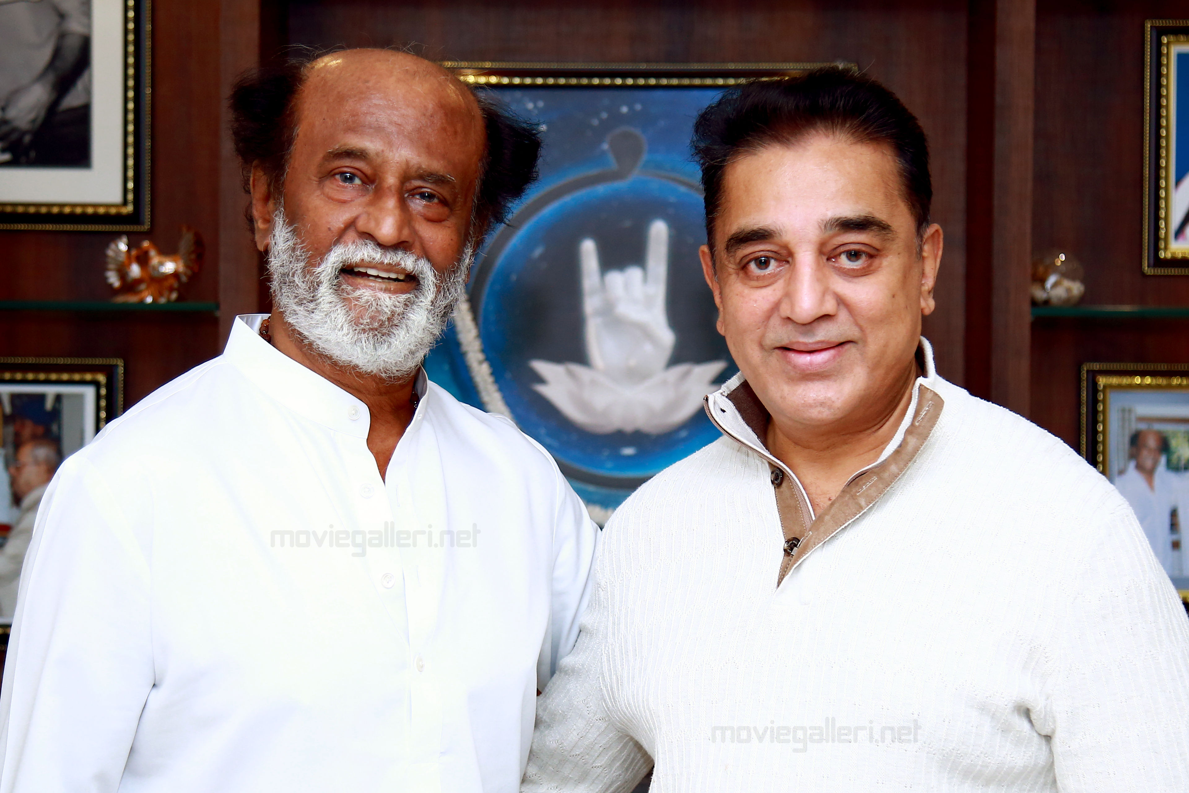 Kamal Haasan meets Rajinikanth in Chennai, to launch political party on February 21