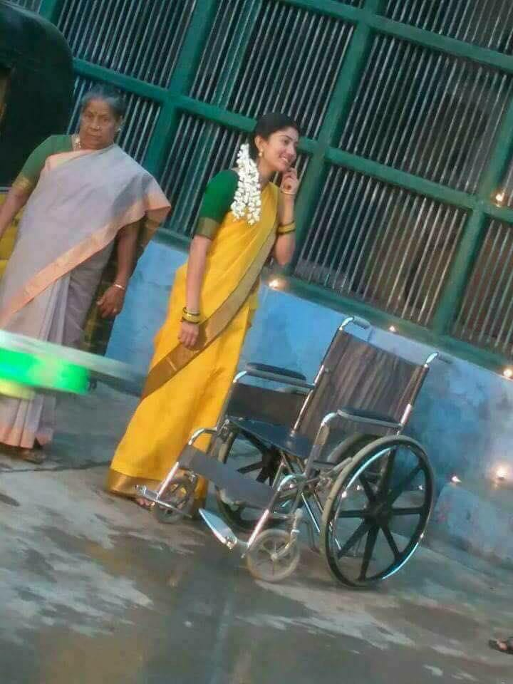 Maari 2 Movie Sai Pallavi Stills in Tenkasi Shooting