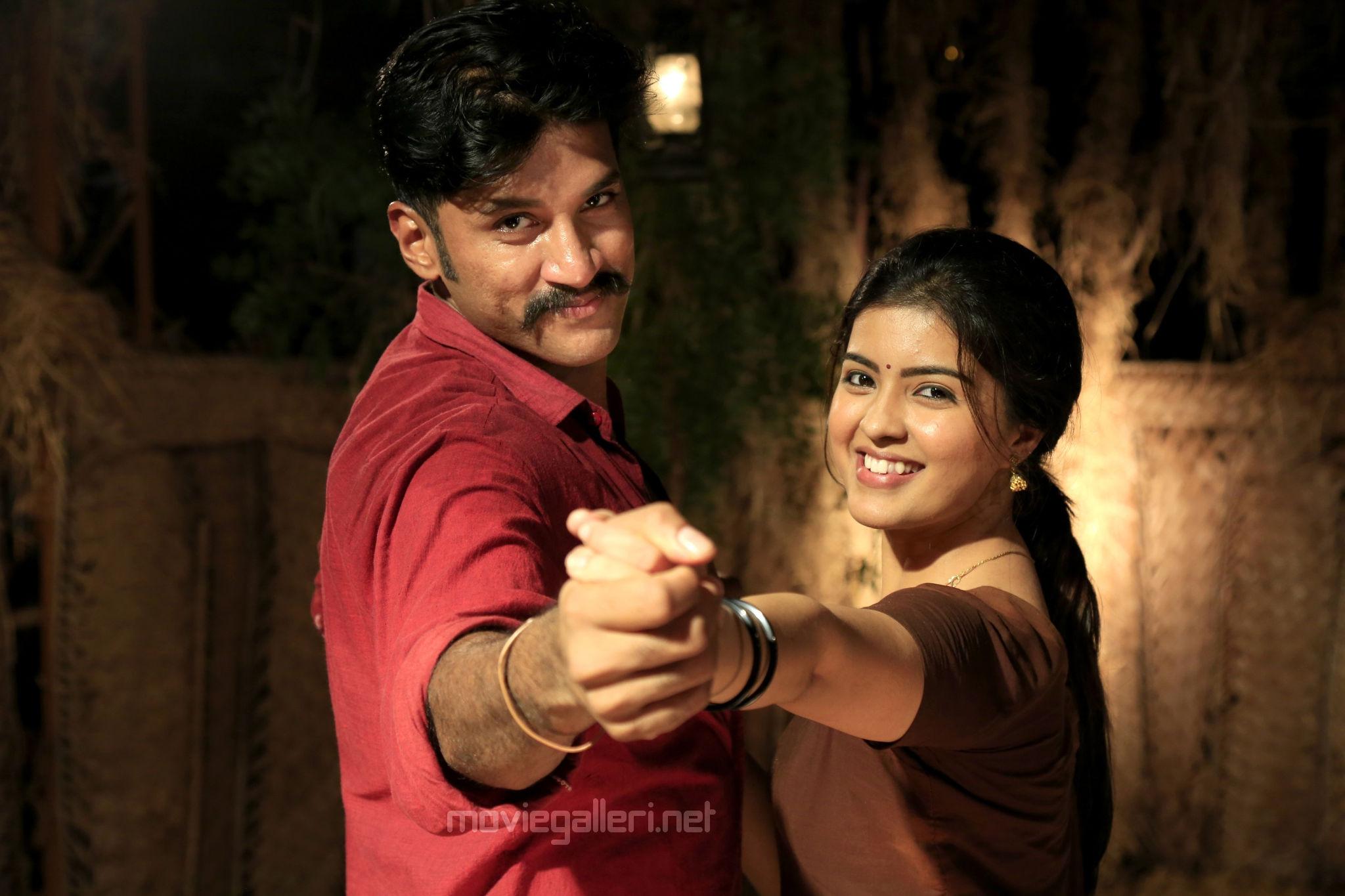 Vijay Yesudas Amritha Padai Veeran Movie Review