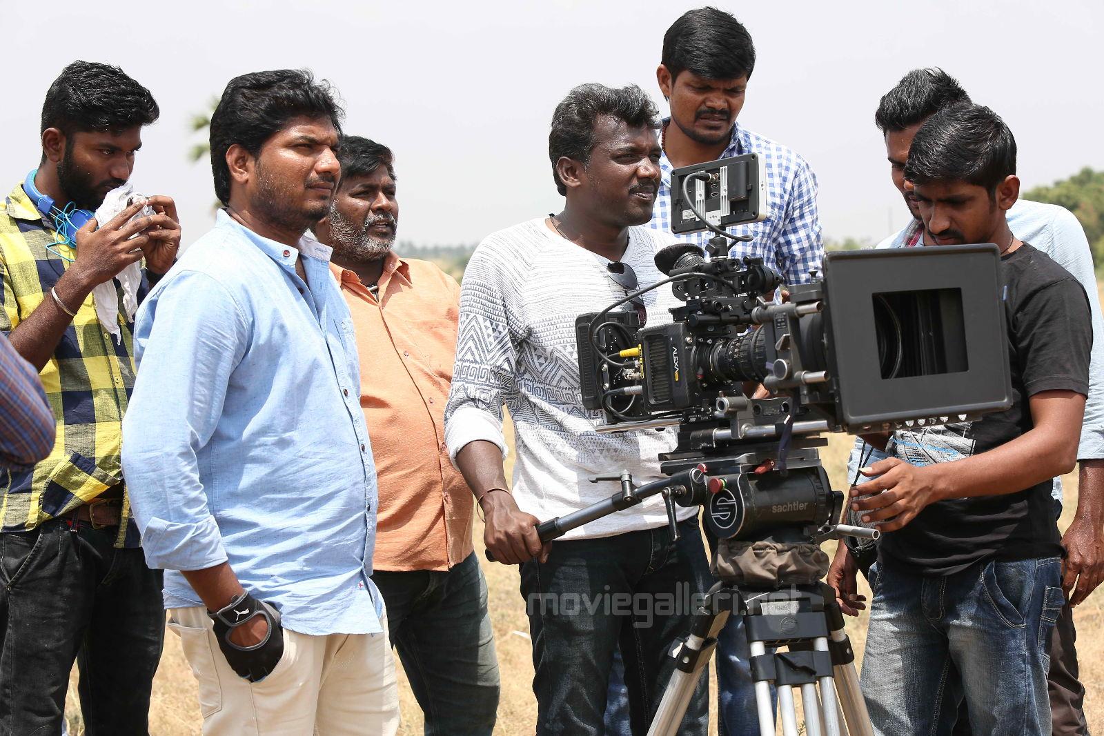 Director Mari Selvaraj @ Pariyerum Perumal Movie Shooting Spot