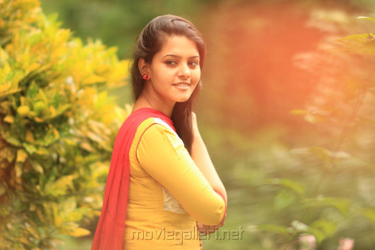 Actress Swathishta Krishnan Hope Mani Ratnam makes Alaipayuthey 2 and signs me