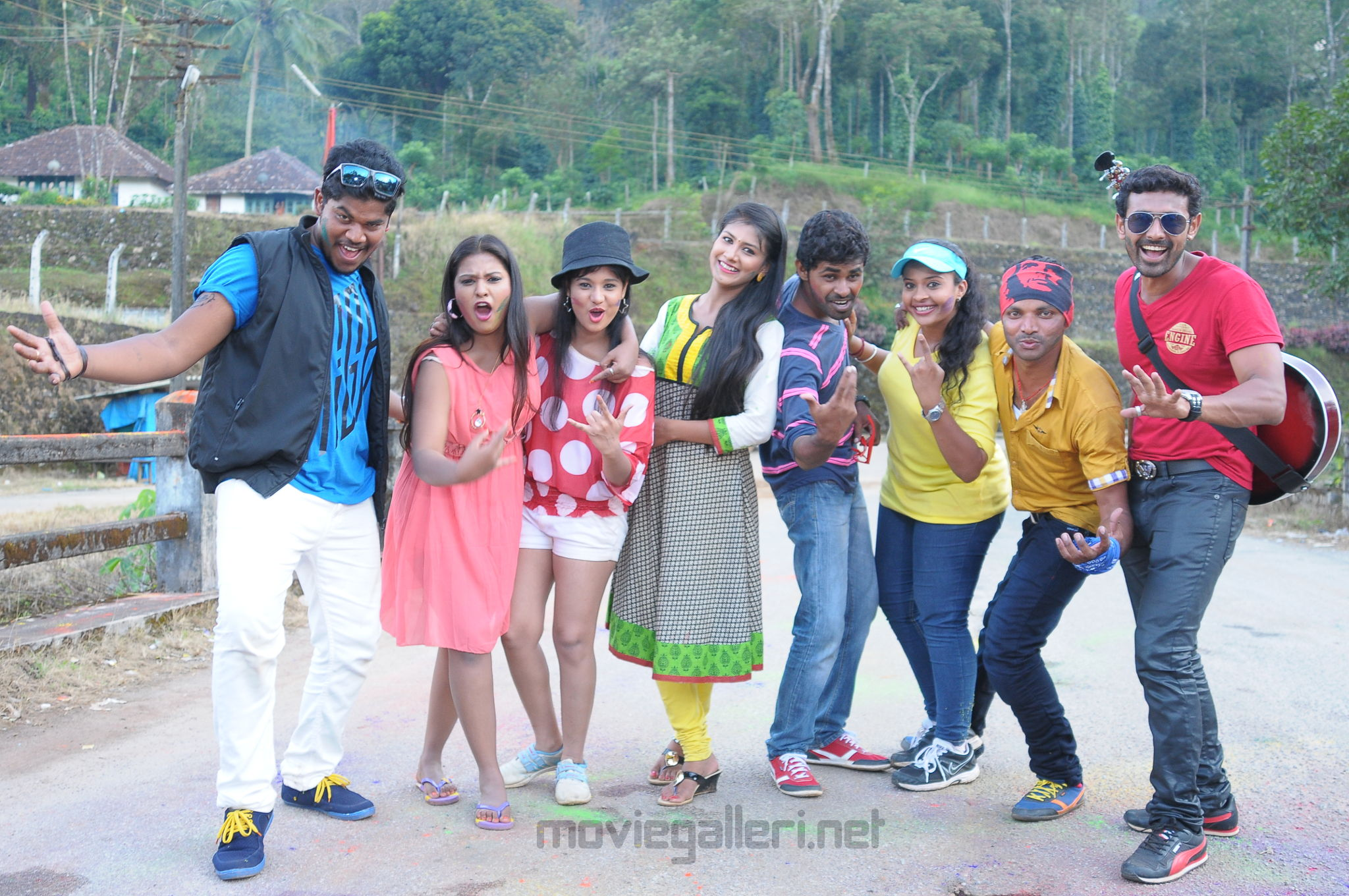 Santhoshathil Kalavaram Movie HD Images