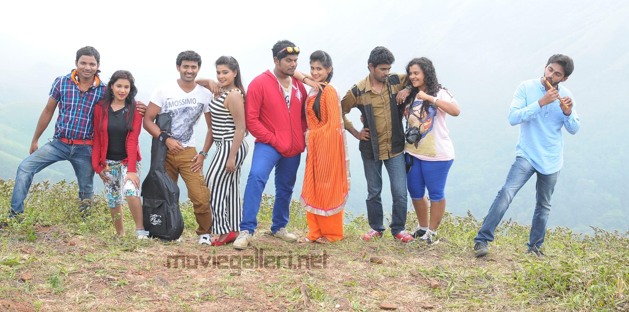 Santhoshathil Kalavaram Tamil Movie Images HD
