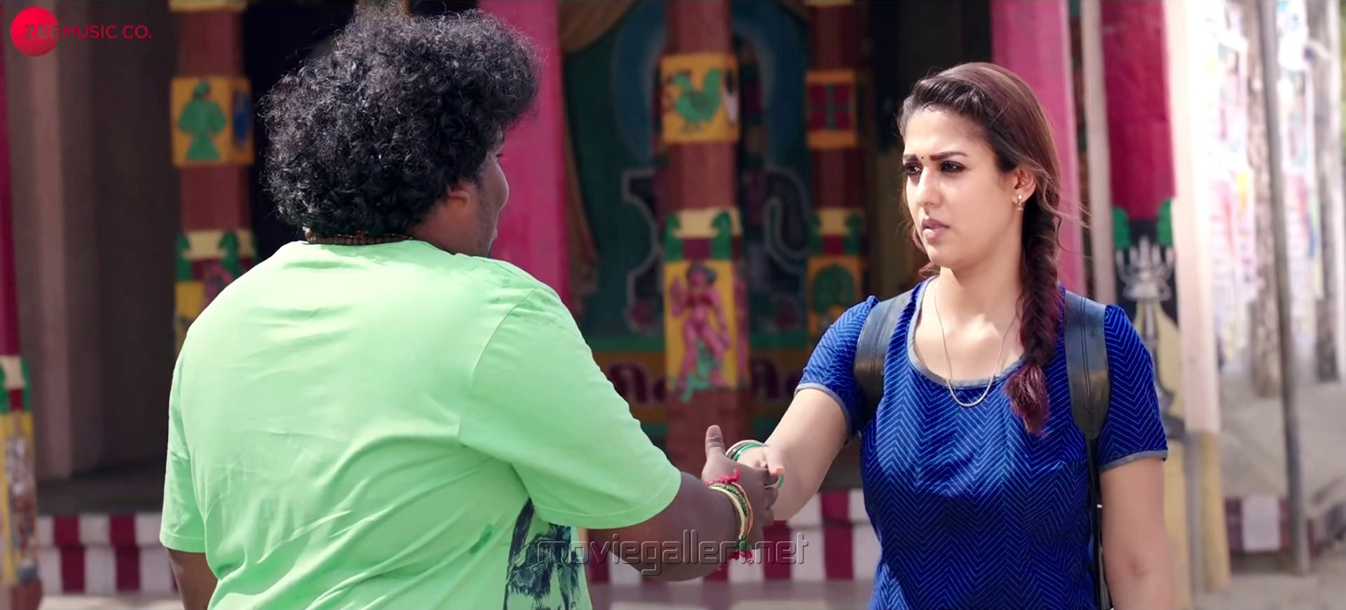 Yogi Babu, Nayanthara in Kolamavu Kokila Movie Photos HD