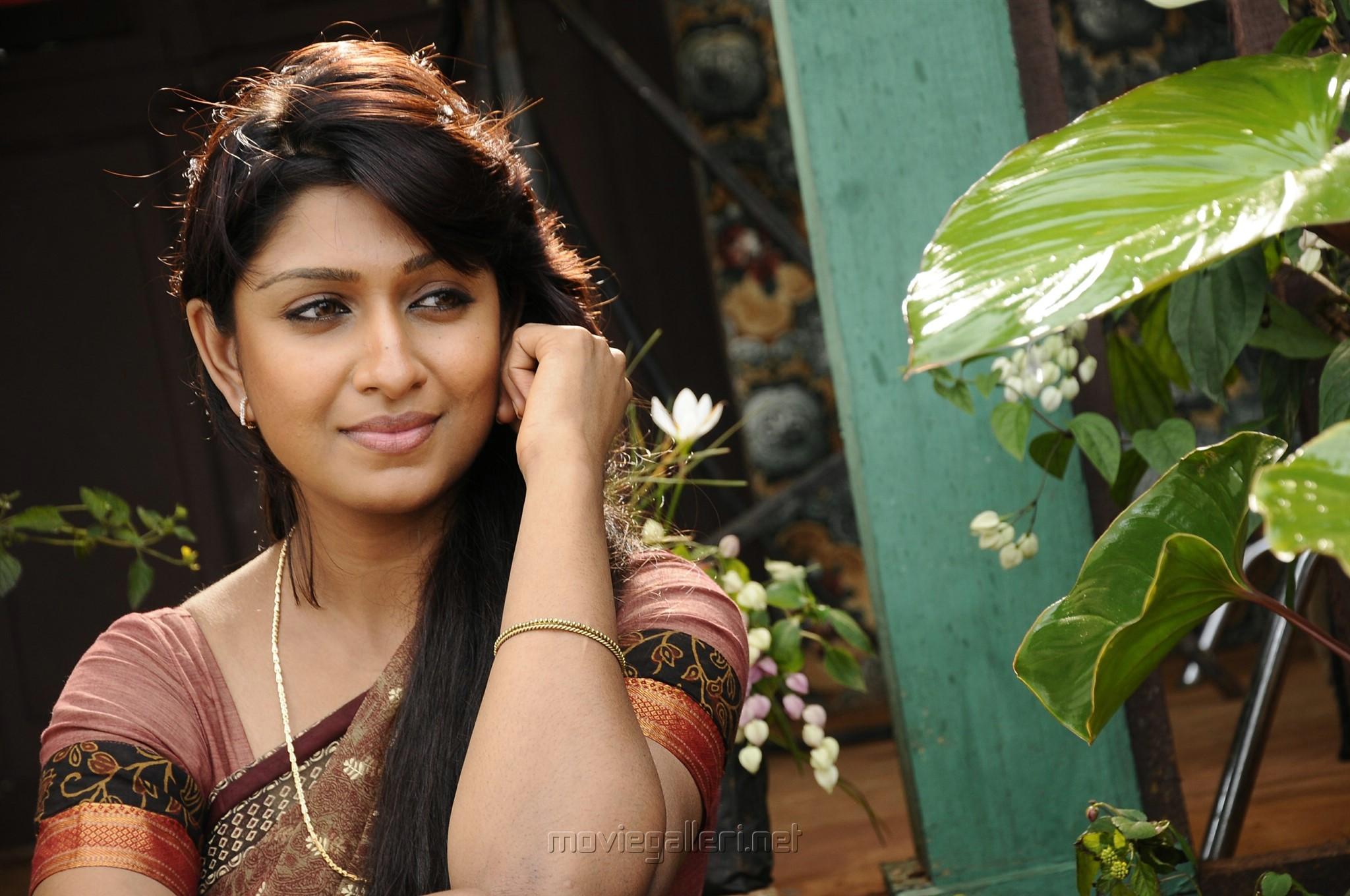 Actress Tejaswini Andhra Mess Movie Photos HD