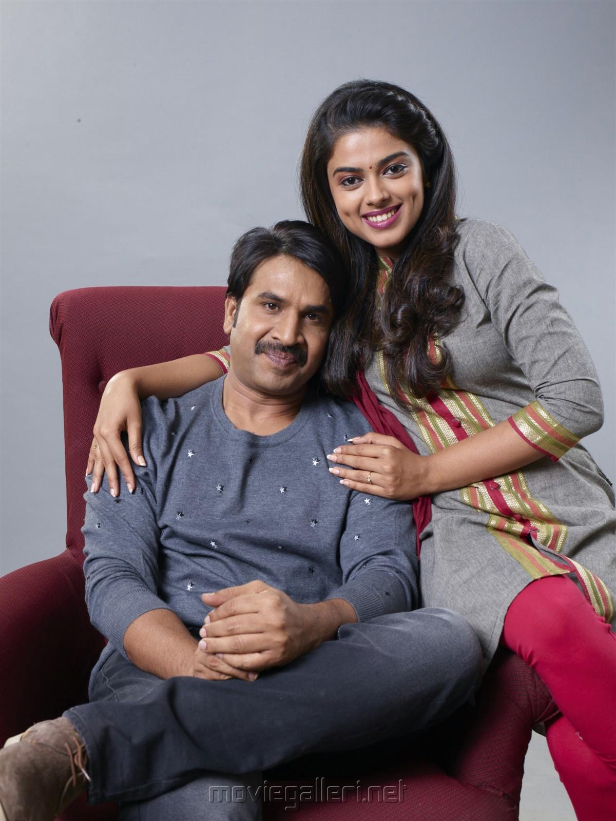 Srinivasa Reddy Siddhi Idnani Jamba Lakidi Pamba Movie gets UA, film release on 22 June