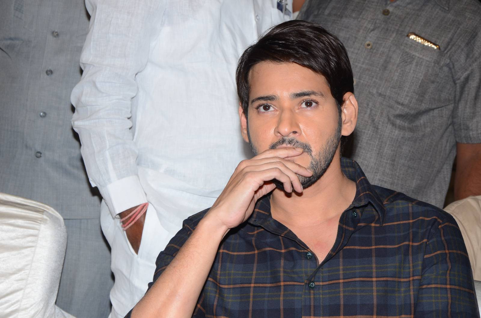Superstar Mahesh Babu Heaps Praises On Vishal's 'Abhimanyudu'