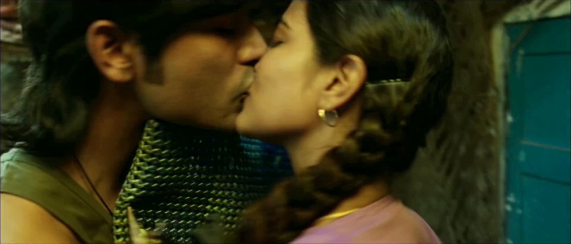 Chennai girl kiss