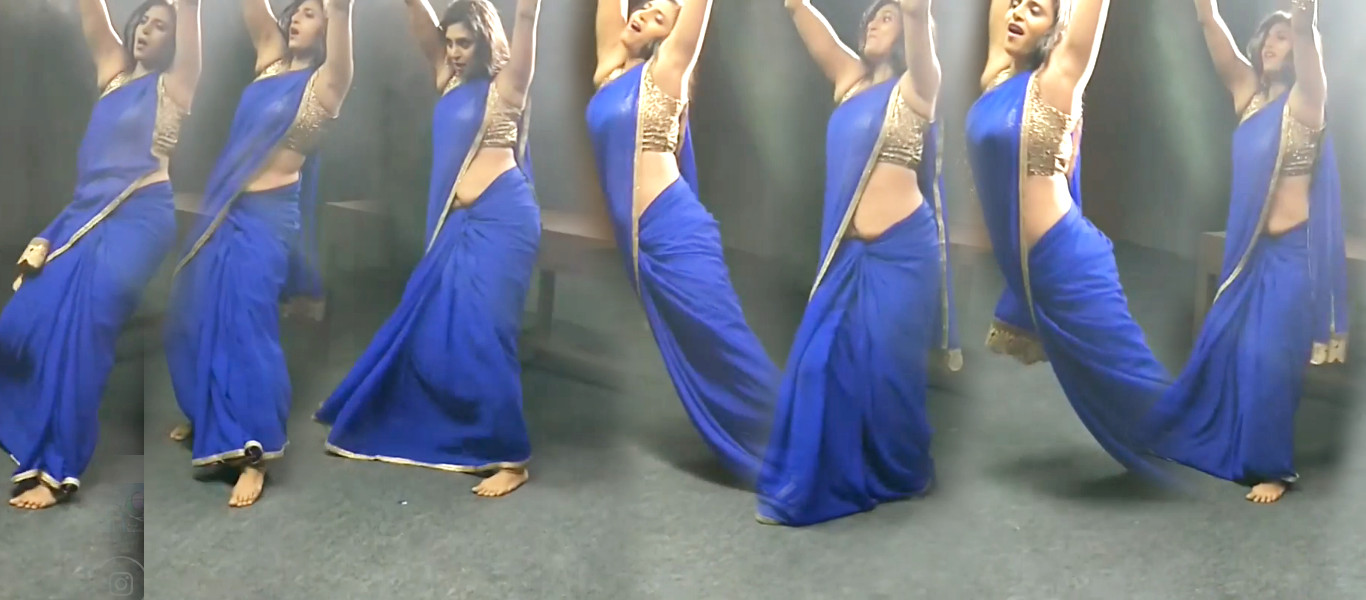 Tamil Padam 2 Kasthuri Hot Blue Saree Photos Tamizh Padam 2 Item Song