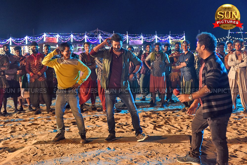 AR Murugadoss, Vijay, Shobi @ Sarkar Movie Song Shooting Still