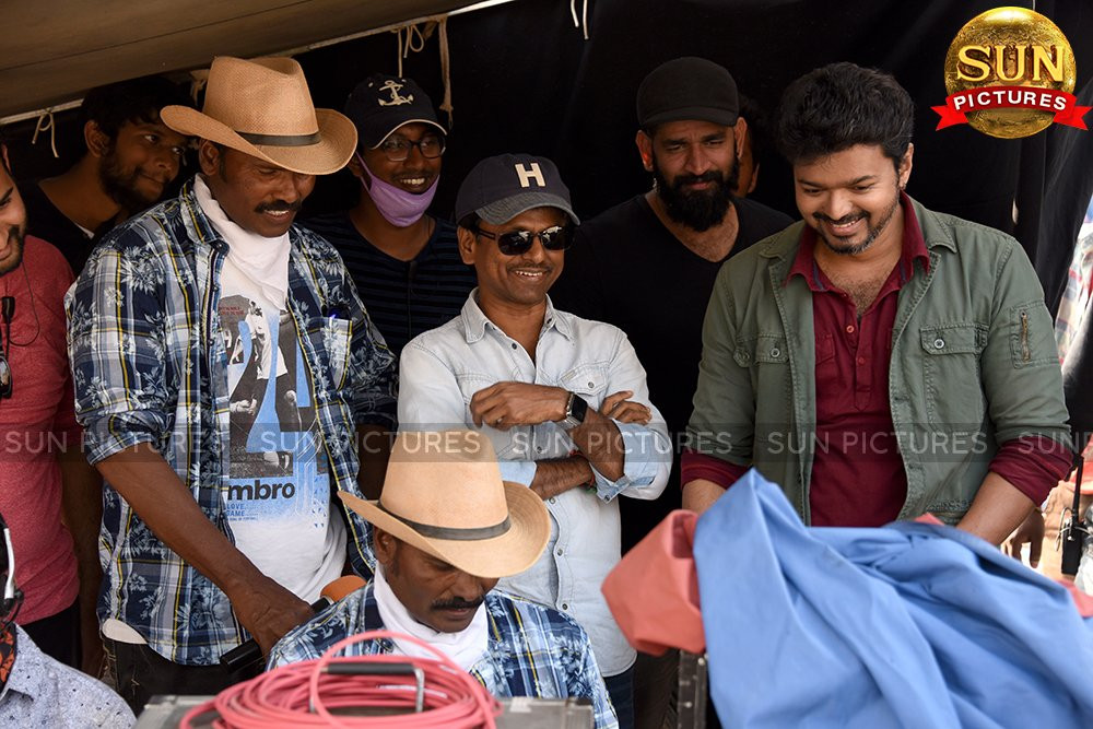 Fight Master Ram Lakshman, Director AR Murugadoss & Hero Vijay @ Sarkar Working Still