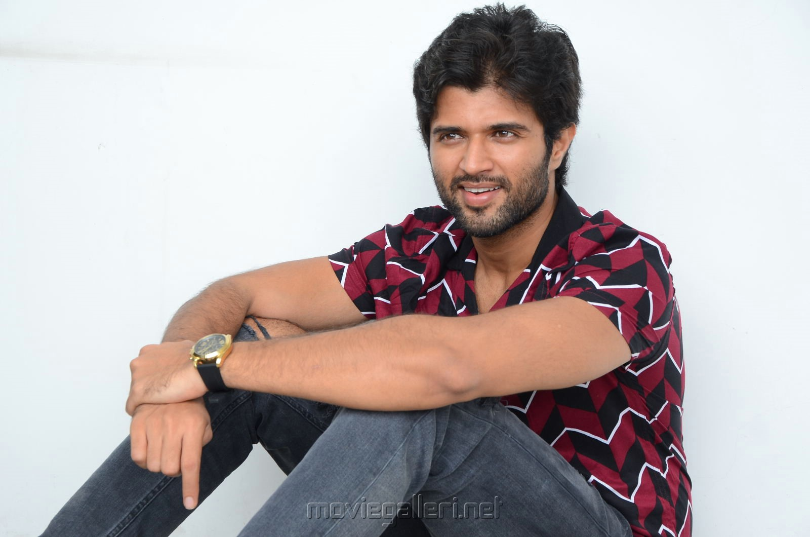 Geetha Govindam Hero Vijay Devarakonda Interview Photos New Movie