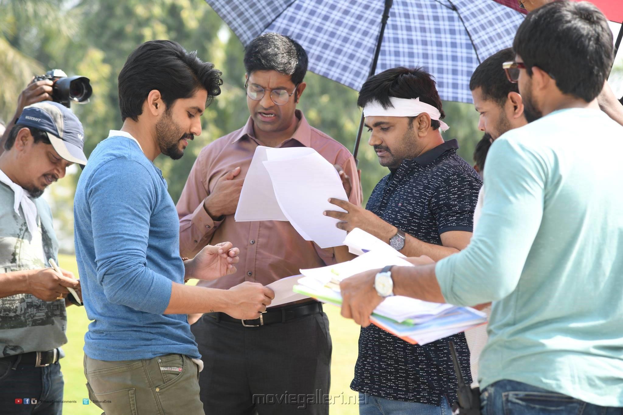 Naga Chaitanya, Vennela Kishore, Maruthi @ Sailaja Reddy Alludu Movie Shooting Spot Stills HD