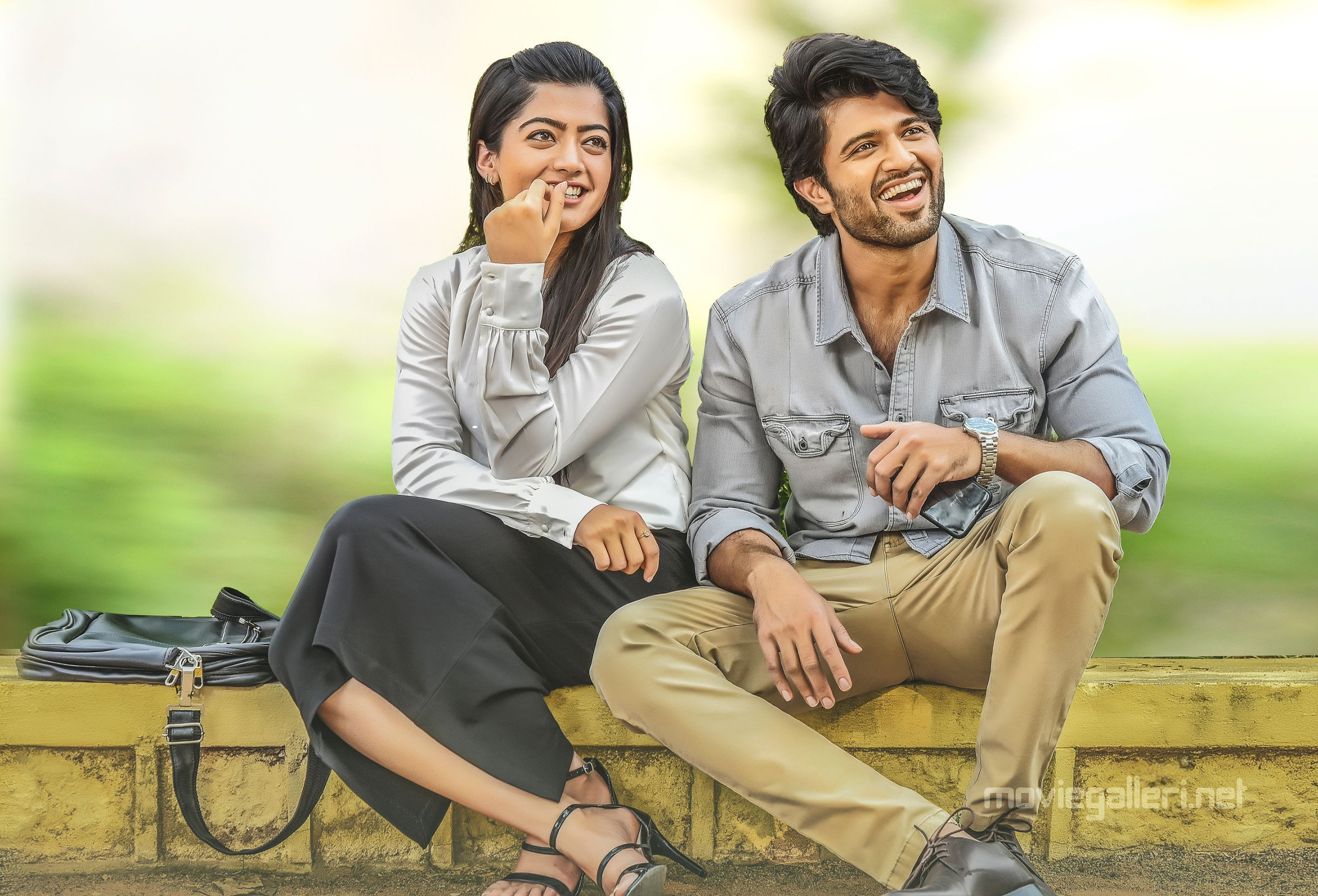 Rashmika Mandanna & Vijay Devarakonda in Geetha Govindam Movie Stills HD