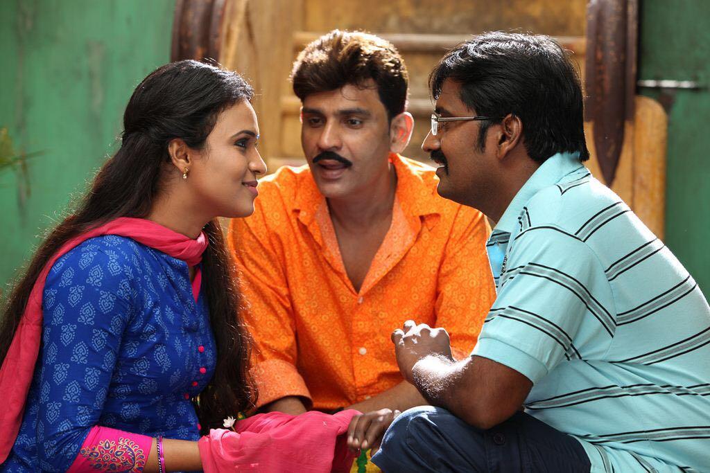 Sherin, Pradeep Jose, Karunakaran in Kadikara Manithargal Movie Pics