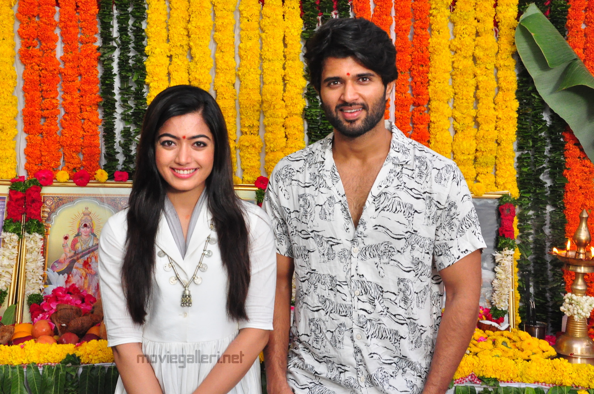 Vijay Devarakonda Rashmika Mandanna Dear Comrade Movie Shooting Started