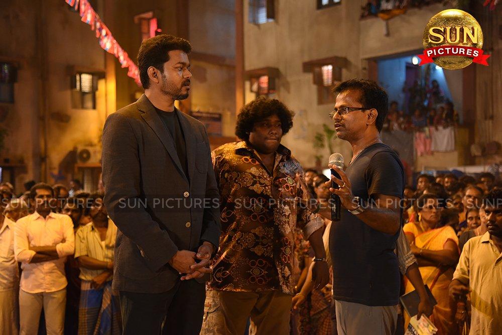 Vijay Yogi babu AR Murugadoss Sarkar Movie 2nd Working Still