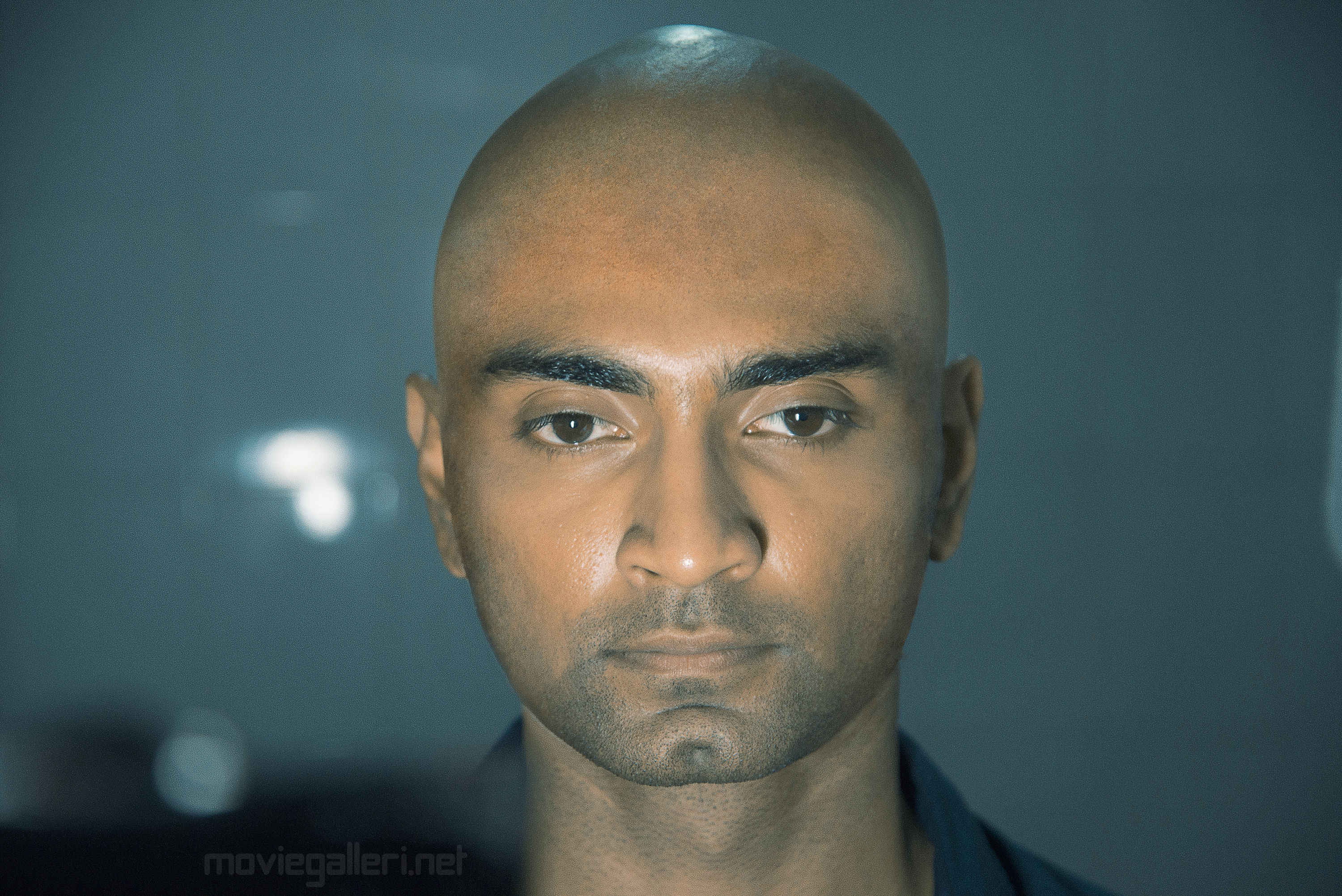 Actor Atharva Tonsure his Head for Boomerang Movie