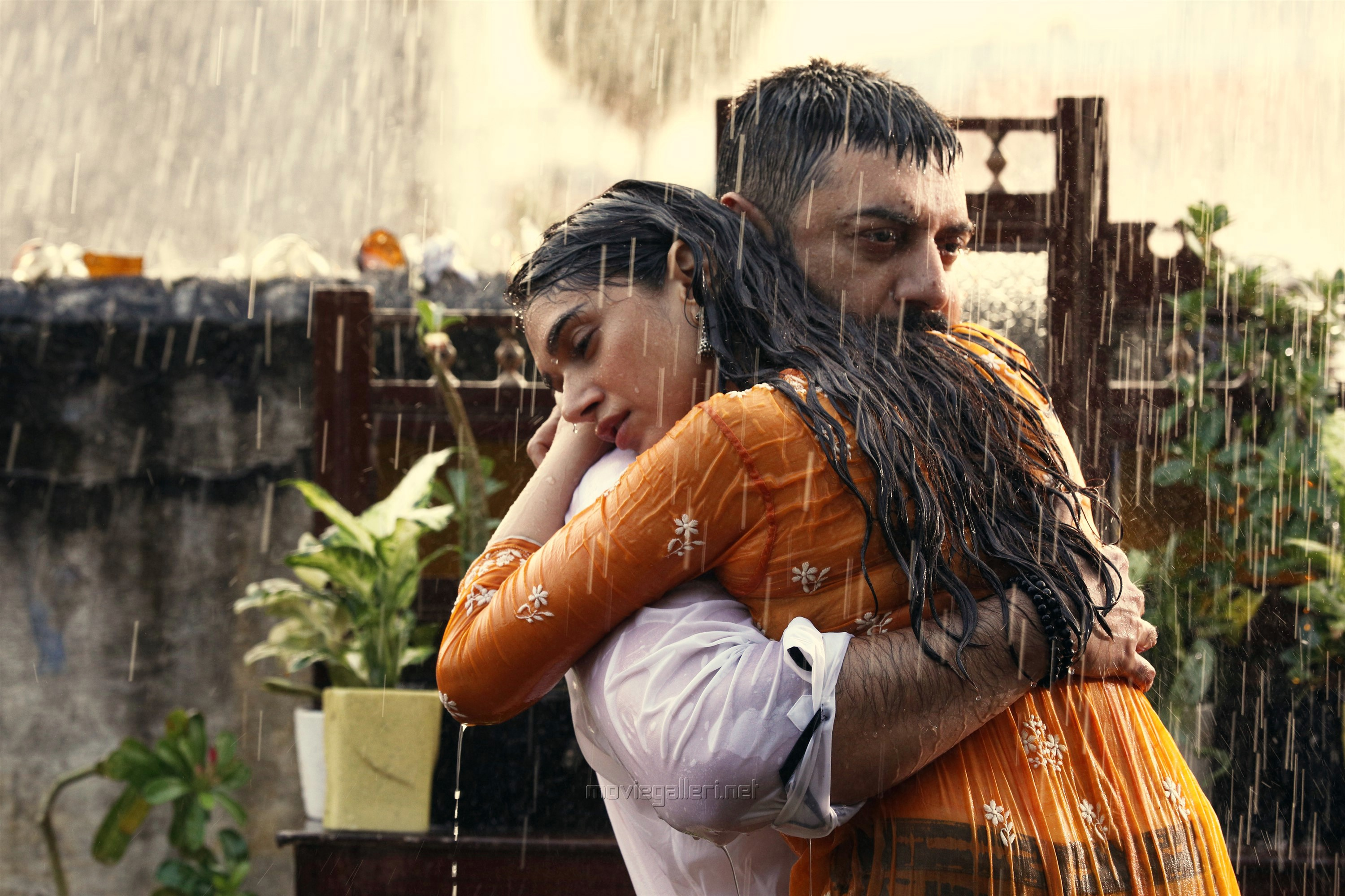 Aravind Swamy, Aditi Rao Hydari in Chekka Chivantha Vaanam Movie Pics HD