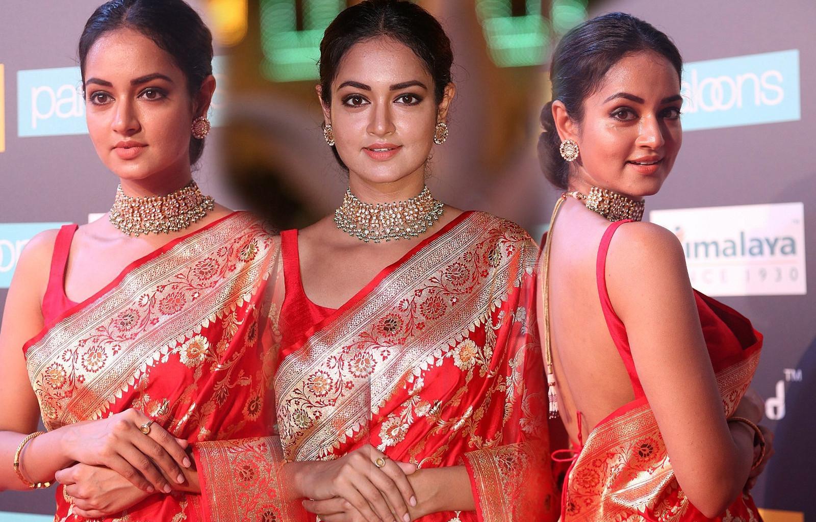 Actress Shanvi Srivastava Saree Pics @ SIIMA Awards 2018 Red