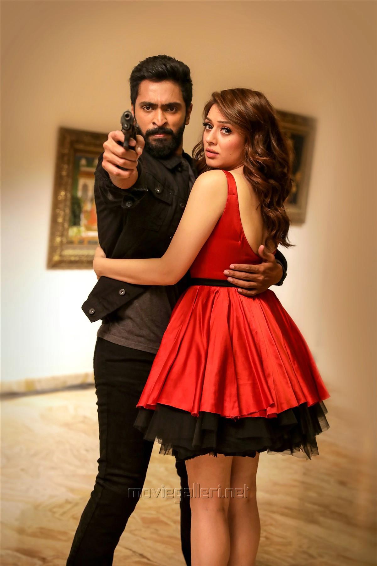 Vikram Prabhu Hansika Motwani in Thuppaki Munai Movie HD Images