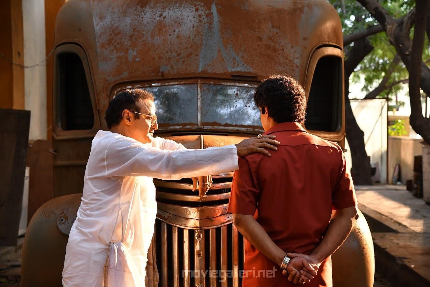 Nandamuri Balakrishna & Kalyan Ram as Hari Krishna in NTR Biopic Movie HD Image